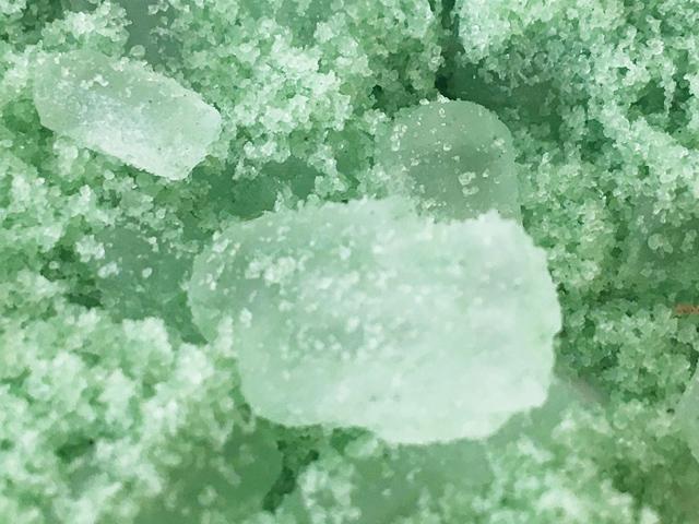 にがり成分を結晶化したイルコルポのミネラルバスパウダー,