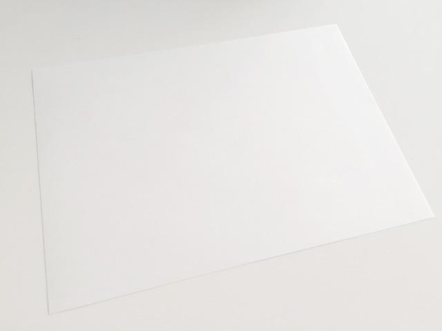 白紙のA5サイズの紙