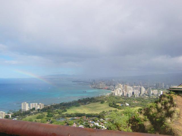 ダイヤモンドヘッド,頂上で虹がかかっている,ハワイ