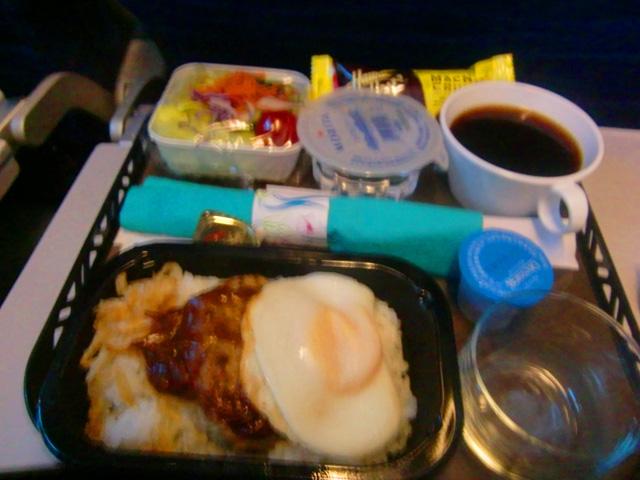 ハワイアン航空,機内食,ロコモコ