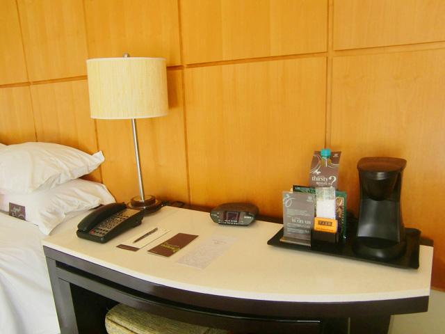 シェラトン・ワイキキ・リゾート・ホテル,ベッドサイド
