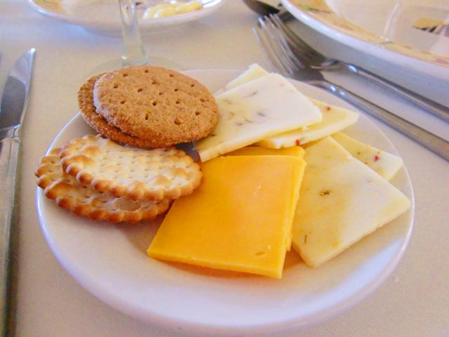 スターオブホノルル号,前菜,クラッカーとチーズ